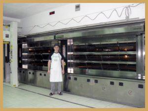 Francesco Bernardini nel nuovo laboratorio